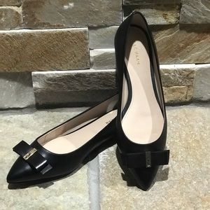 New w/o box Cole Haan black leather flats with bow